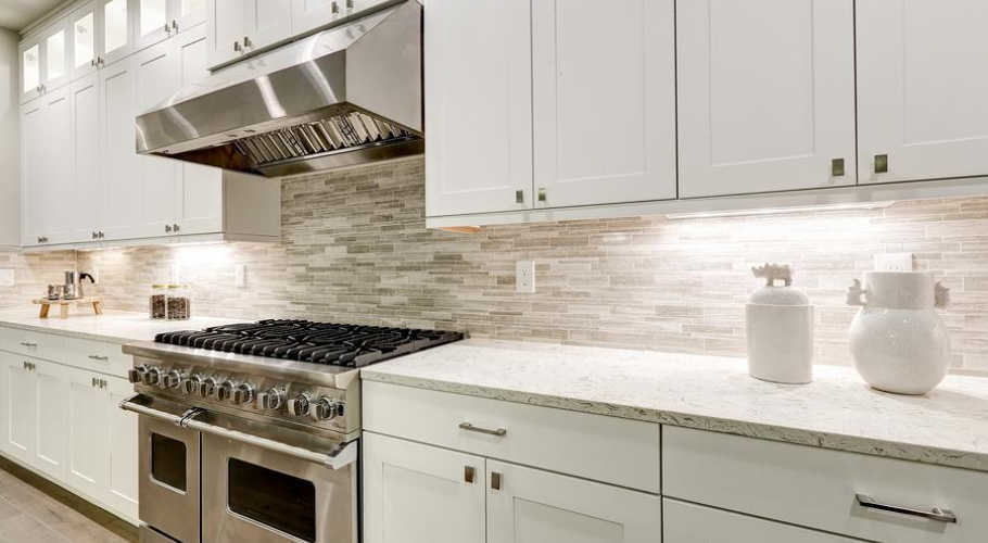 HIS-Cabinetry-Gourmet-Kitchen-Features-White-212155462